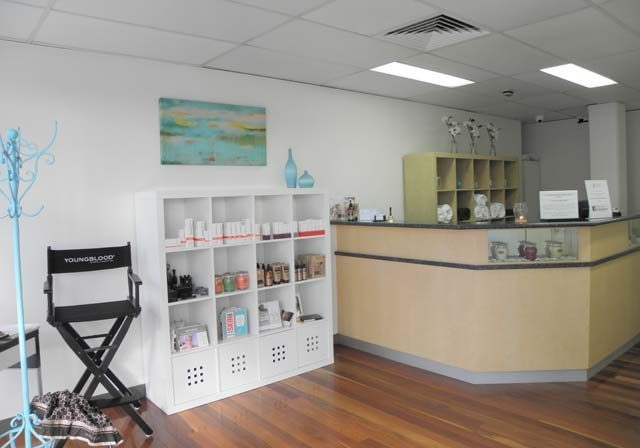 Commercial painting Bardon